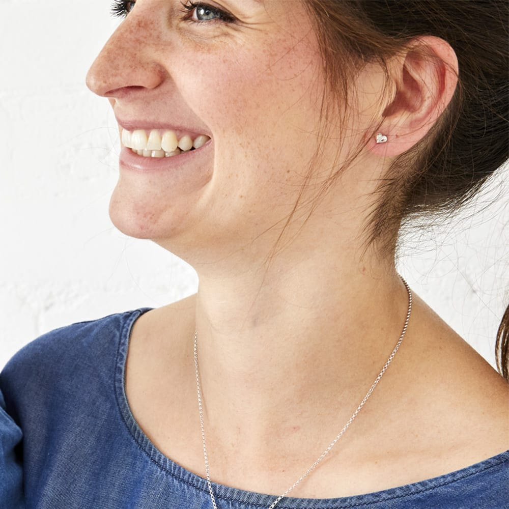 smiling mum with earrings