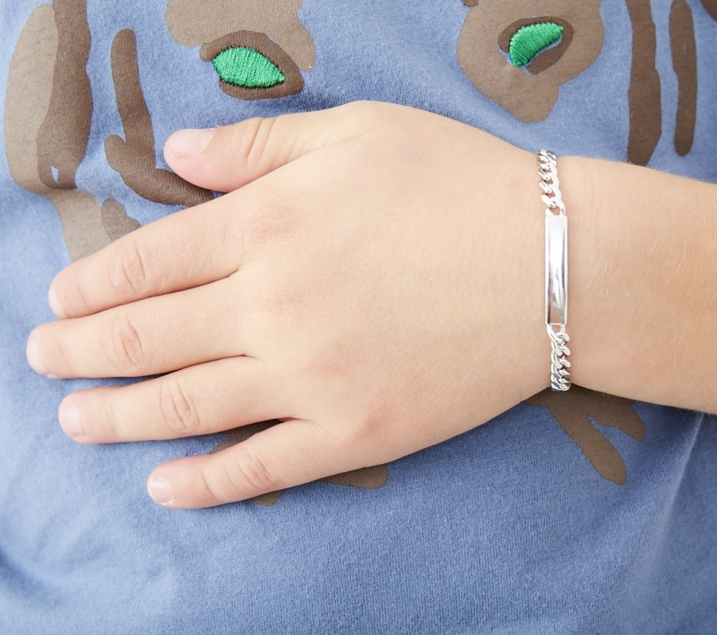 silver id tag bracelet